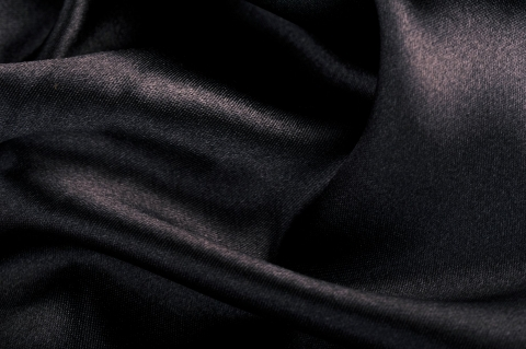 Fényes fekete selyem