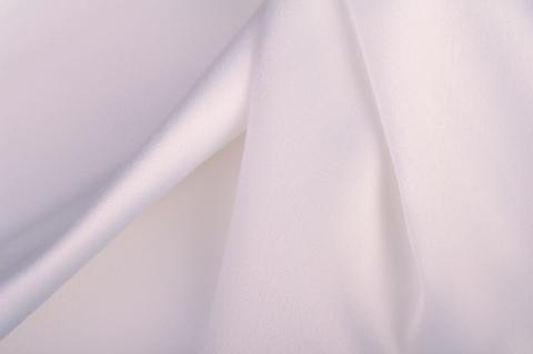 Hófehér selyem
