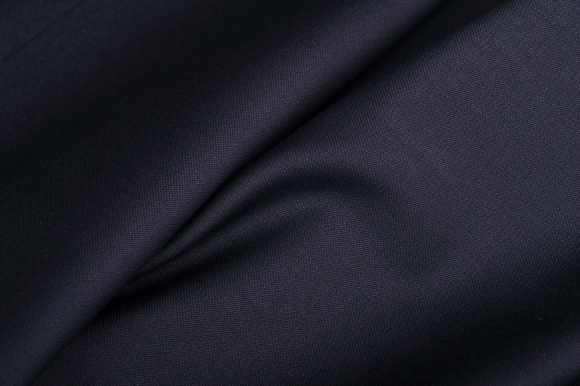 Sávolyszövésű sötétkék 45% gyapjú, 55% poliészter